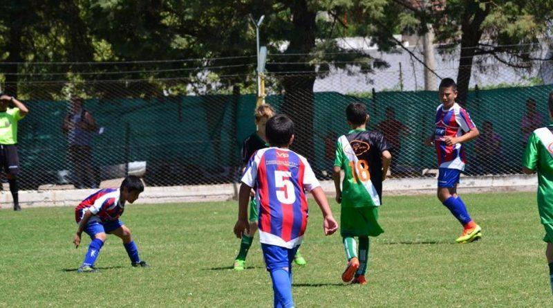 Futbol/Inferiores: En San Francisco, Proyecto Crecer y San Jorge juegan la primera final