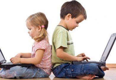 PSICOLOGÍA POSITIVA –  Ayudarlos, pero no hacerlo por ellos: cómo motivar a los niños con las tareas