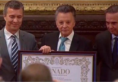 """""""Palito"""" Ortega fue distinguido en el Senado de la Nación"""