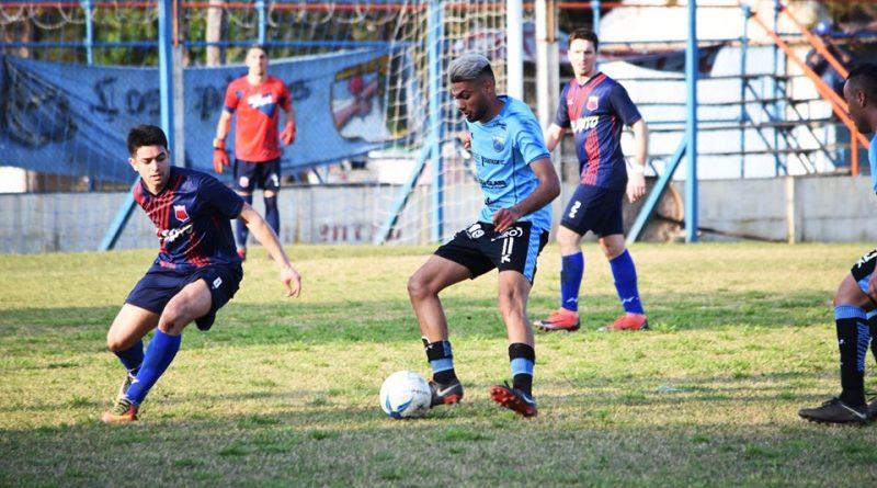 Fútbol/Primera A: Centro bajo al puntero y Nueve aplastó al «santo»