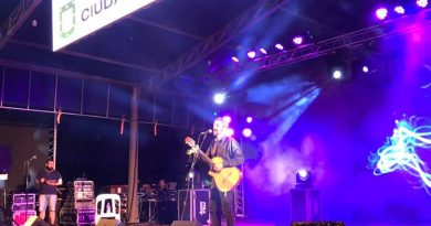 Festival del Humor y la Canción: Esteban Cuestas cautivó al público