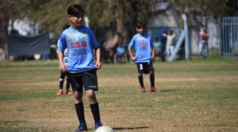Fútbol/ Menores: Nueve de Morteros sigue arriba. San Jorge se acercó