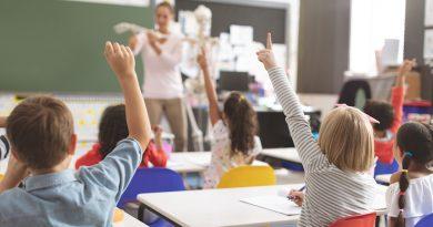 Regresa la presencialidad plena a todas las escuelas: ¿Cómo lo viven estudiantes y familias?