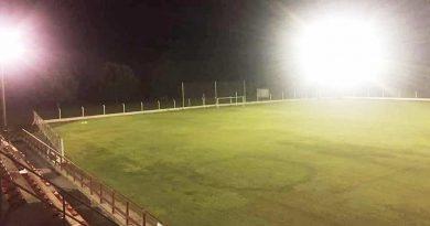 Centro, Nueve y Tiro encendieron luces en sus estadios para homenajear a Maradona
