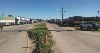 Camioneros levantaron la medida de fuerza en el cruce por una orden judicial
