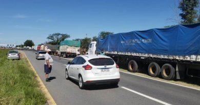 Piquetes de transportistas: agroexportadores celebran la decisión de Santa Fe de liberar las rutas