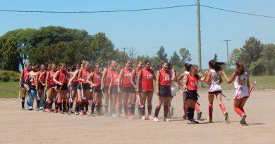 Hockey sobre Cesped: Centro Social recibió a Huracan en el inicio del Torneo de la FOSH