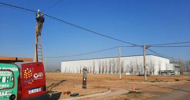 Etapa final del tendido de fibra óptica en el Parque Industrial del Noreste