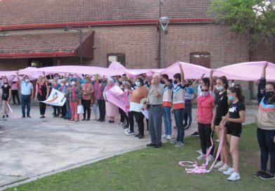 Instituciones unidas en un «lazo rosa» en el Día de Concientización del Cáncer de Mamas